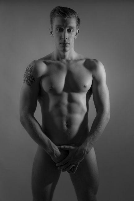 TORINO ragazzo di 22 anni con la passione per i massaggi