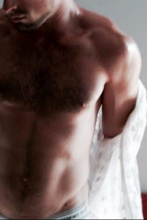 ROMA San Giovanni maschio escort atletico passionale disponibile anche per massaggi e …