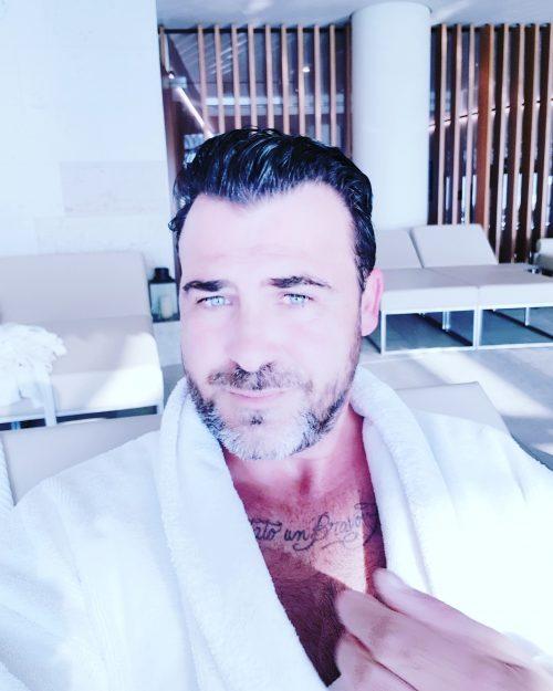Bellissimo maschio italiano