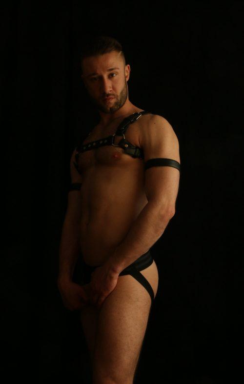 ADAM, sensuale ragazzo 100% Italiano