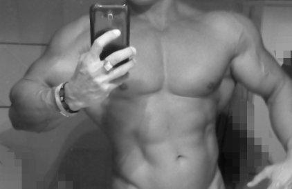 ROMA Ragazzo bellissimo muscoloso massaggiatore professionale