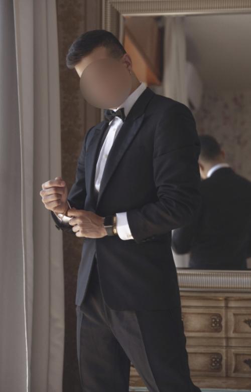 ANCONA Cristian 35 enne italiano gentile di classe riservato per uomini