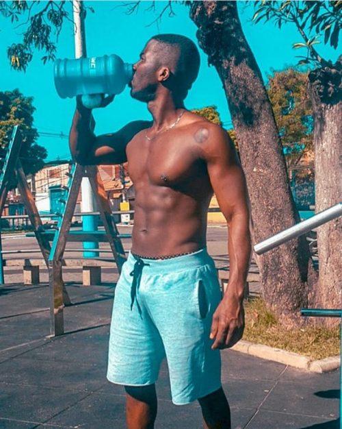 ROMA Termini Repubblica Black Boy bellissimo ragazzo di colore