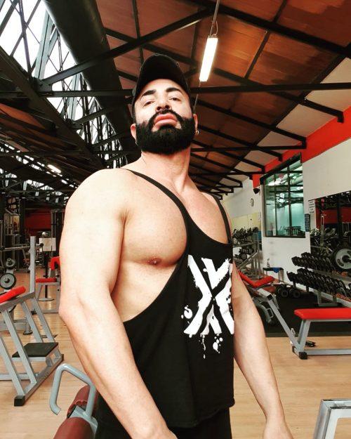 MILANO centro Alex muscoloso disponibile a incontri con uomini